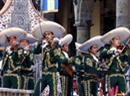 Mariachi-Gruppe an einer Parade in Mexiko.