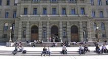 Schweizer Universitäten vernachlässigen den Nachwuchs.