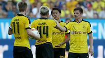 Marco Reus, der Torschütze zum 0:2 Kevin Kampl, Shinji Kagawa uud Jonas Hofmann (v.l.n.r.)