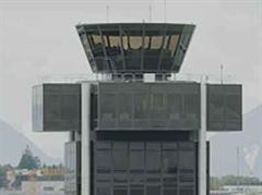 Kontrolltower des Flughafens Genf.