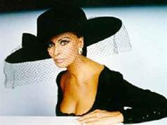 Sophia Loren wirkte in Zürich etwas verkrampft.