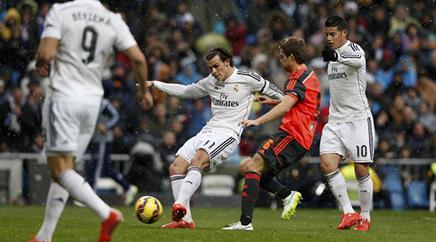 Real Madrid siegt überzeugend.