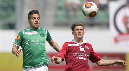 Roberto Rodriguez (l.) schliesst sich Novara an.