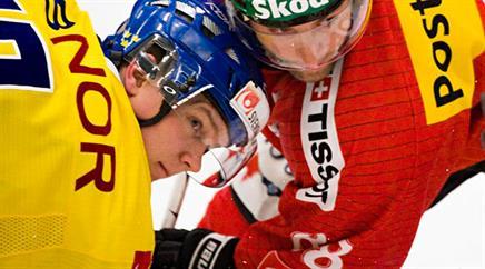 Patrik Zackrisson (l.) gegen Martin Pluess beim Bully.