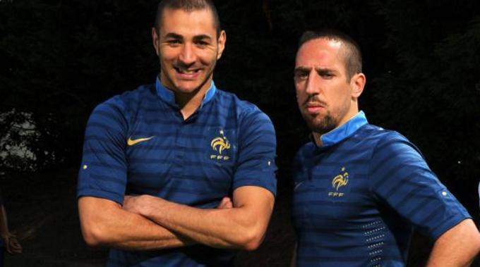 Karim Benzema (l.), Franck Ribéry und Co. können an der EM mächtig absahnen.