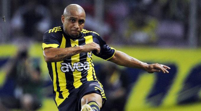 Roberto Carlos gibt seinen Rücktritt.