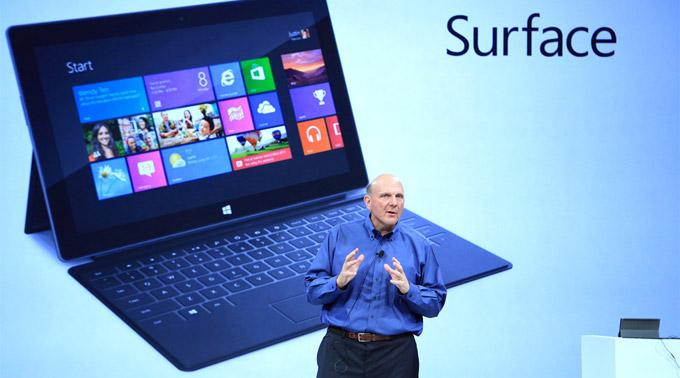 Microsofts CEO Steve Ballmer präsentiert Surface. (Archivbild)