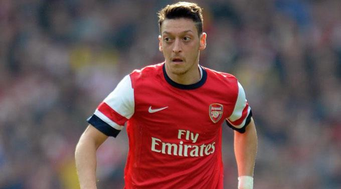 Mesut Özil für Arsenal.