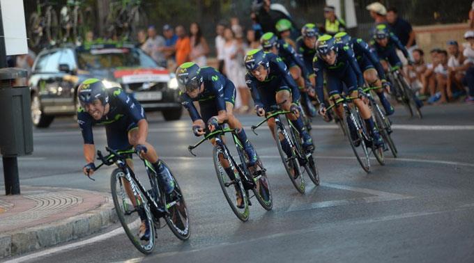 Das Team Movistar auf dem Weg zum Etappengewinn.